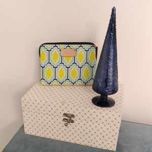 Handbags - KATE SPADE Cosmetic bag.  Size 9 by 6
